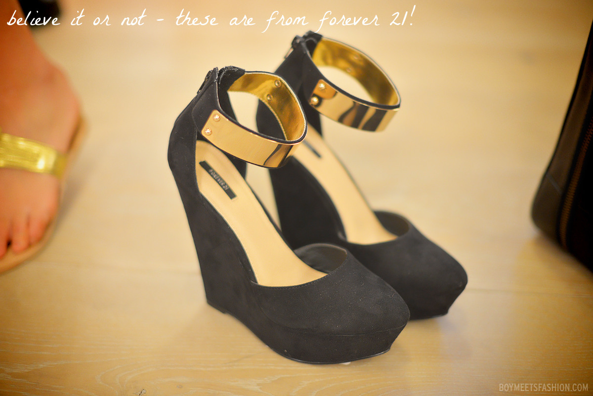 8fe19f9223e9 Beautiful pair of black wedges with gold metal ankle straps by Forever 21