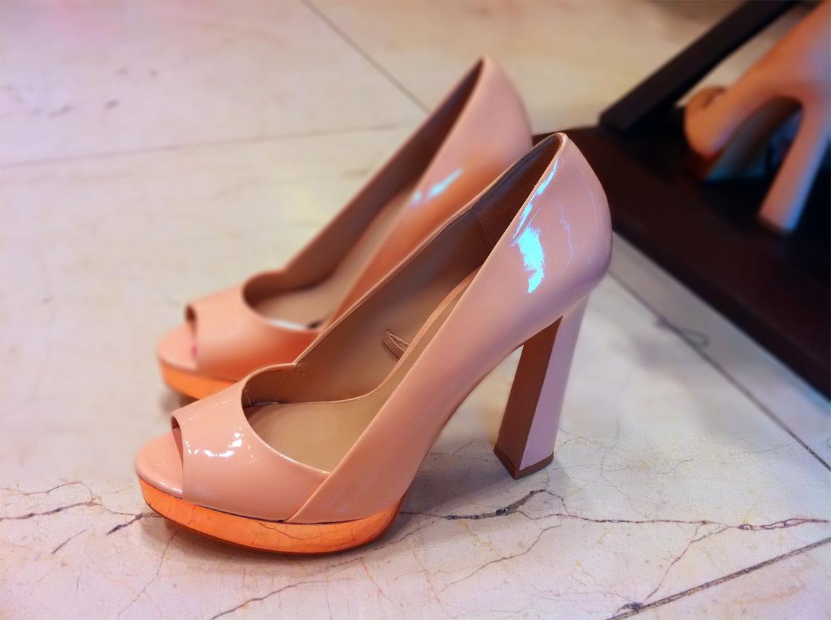 ZARA's block heels peep-toe with rose