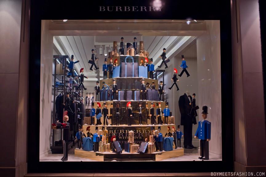 BURBERRY-WINDOWS-DEC-2014-01